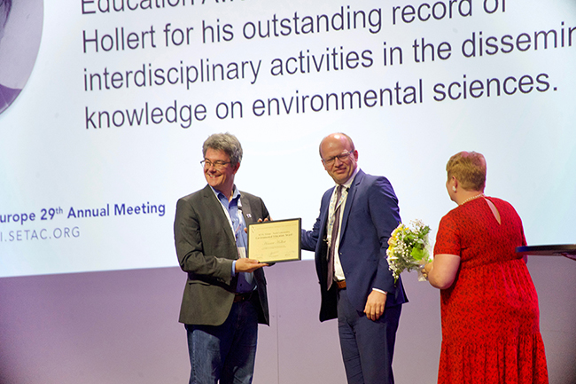 NOACK Laboratorien Environmental Education Award winner Henner Hollert